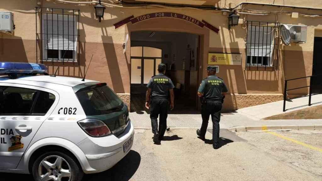 Cuartel de la Guardia Civil en Jumilla en el que el presunto pederasta permaneció en los calabozos hasta su traslado a los juzgados
