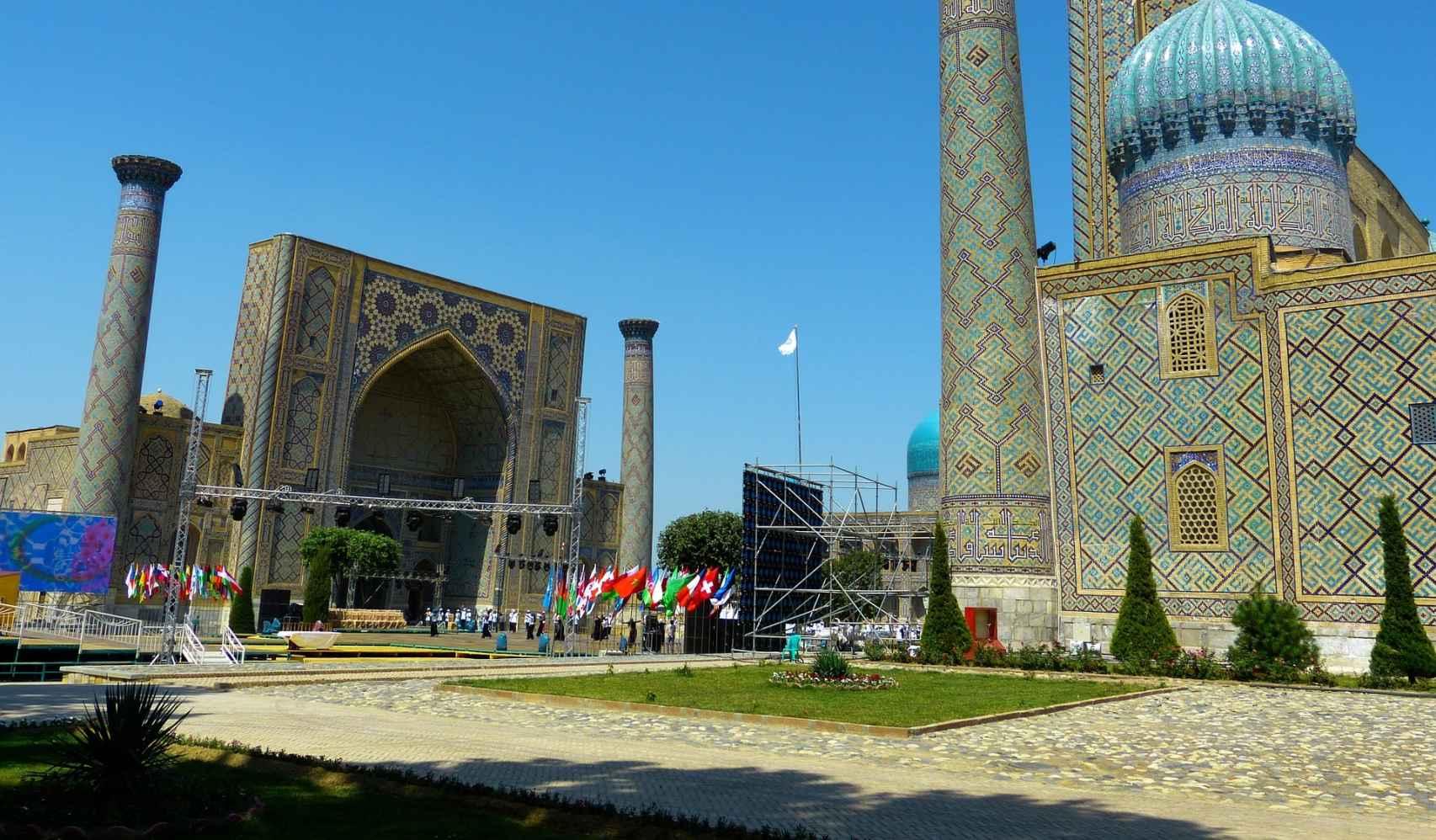 Una auténtica maravilla la Plaza de Registán en Samarcanda.