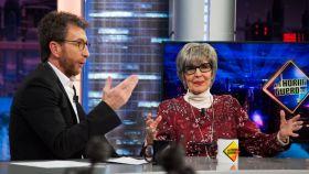 Pablo Motos y Concha Velasco en 'El Hormiguero'.