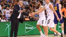 Pablo Laso felicita a Campazzo y Carroll