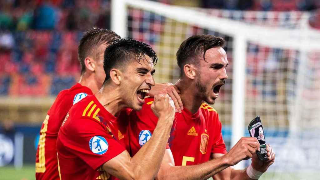 Fabián Ruiz celebra su gol con la selección española sub21 ante Polonia en el Europeo