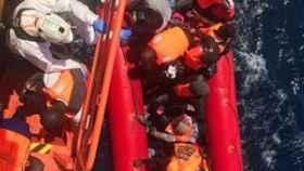 Inmigrantes rescatados en el mar de Alborán.