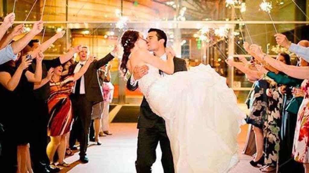 Celebración de una boda, tras el banquete.
