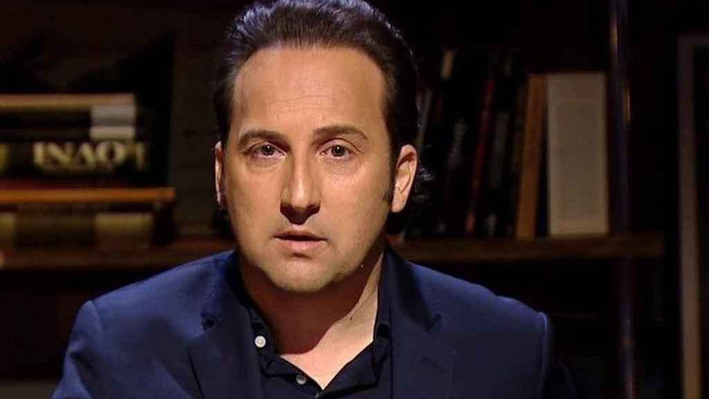 Iker Jiménez presentando en el programa 'Cuatro Milenio'.