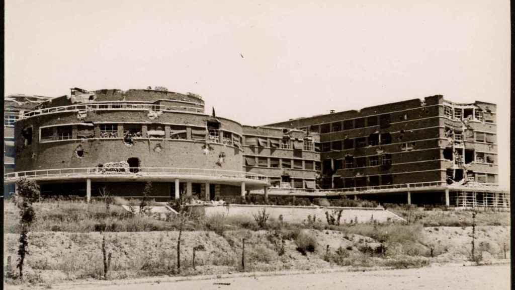 La Facultad de Filosofía, en una foto de mayo de 1937, en plena Guerra Civil.