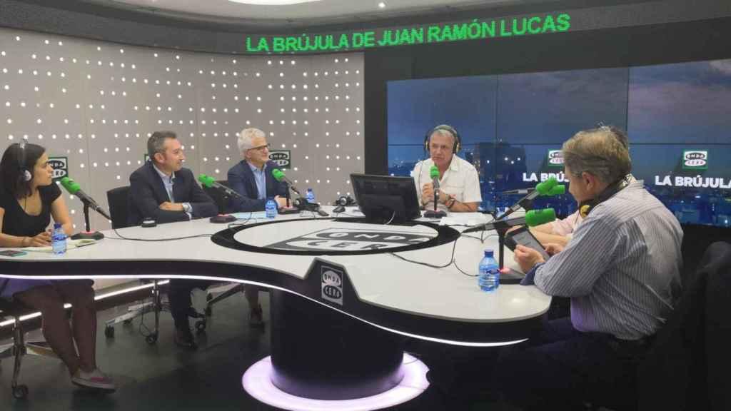 Representantes de Accenture y Carrefour en los estudios de Onda Cero.