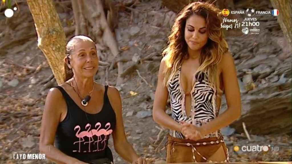Pantoja junto a Lara Álvarez en 'Supervivientes' antes de cortarse la melena.