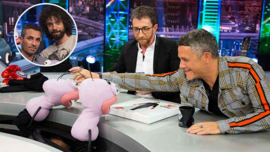 Trancas y Barrancas (Juan y Damián) durante la entrevista de Alejandro Sanz.