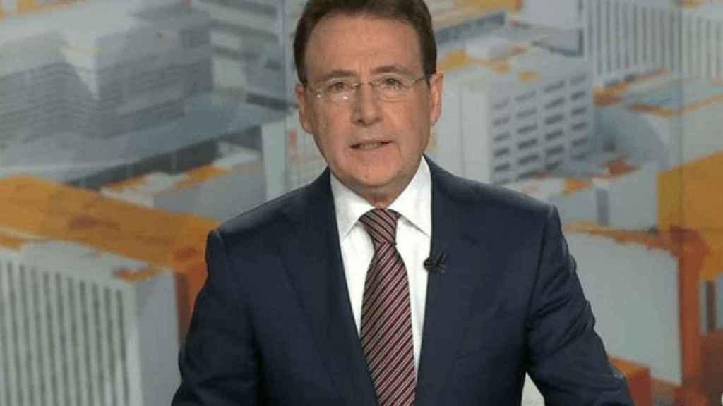 Matías Prats, en su regreso a la televisión, con gafas de vista.