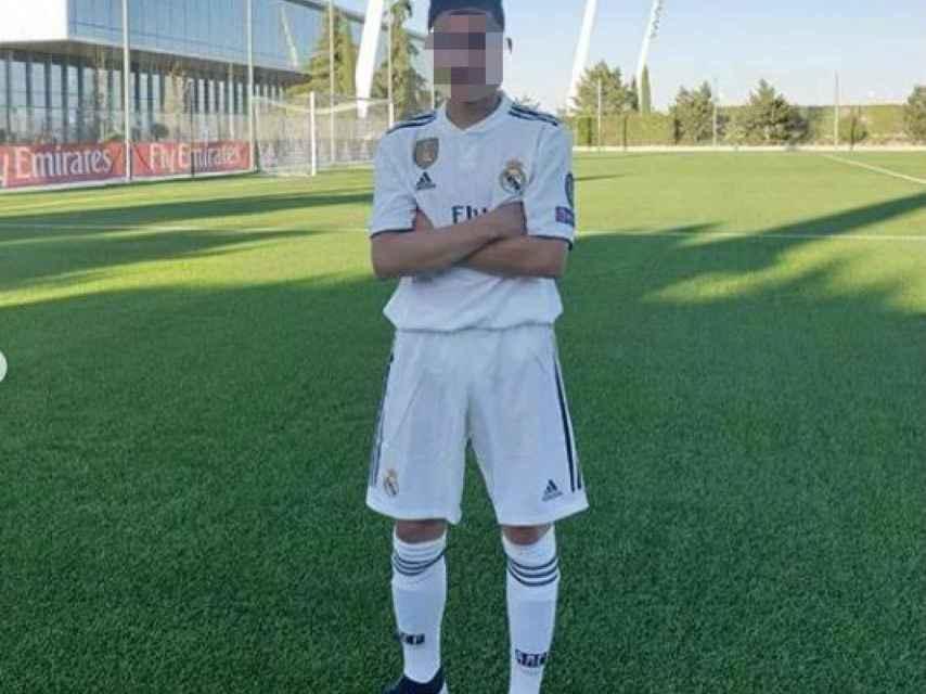 José Antonio Reyes Jr. con la equipación del Real Madrid.
