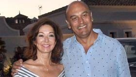 Ana Rosa y su marido en una imagen de archivo.