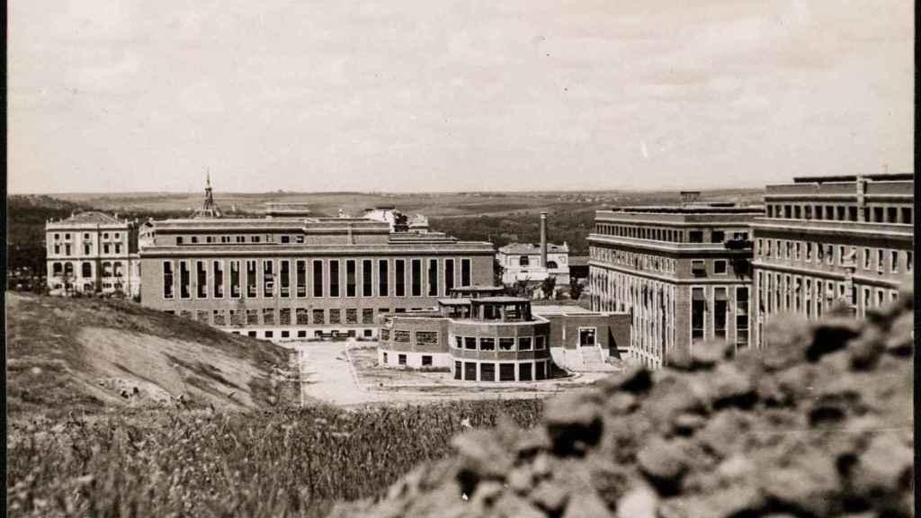 El pabellón de Medicina fotografiado el 20 de mayo de 1937.