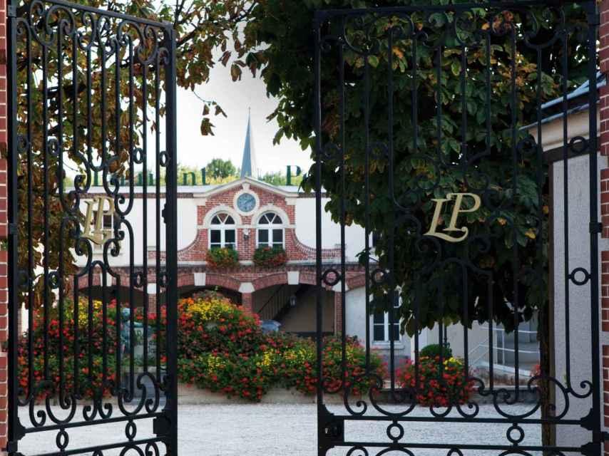 Las puertas de la maison Laurent-Perrier en Champagne.