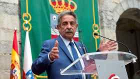 El presidente de Cantabria, Miguel Ángel Revilla, durante su discurso este sábado.