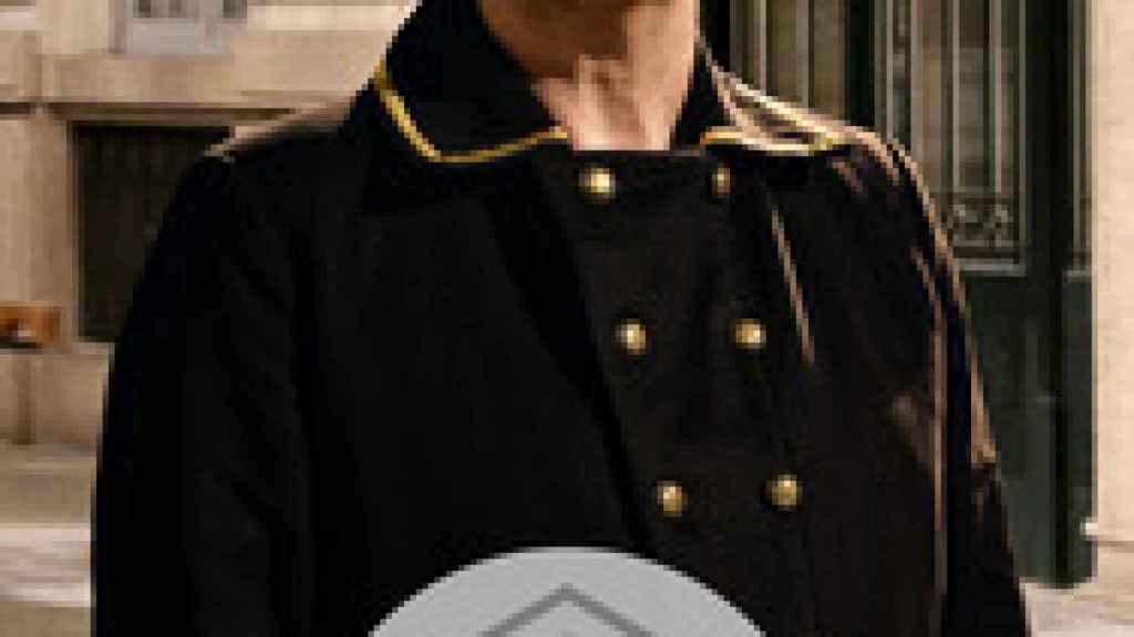 César interpreta un papel en la serie Acacias 38