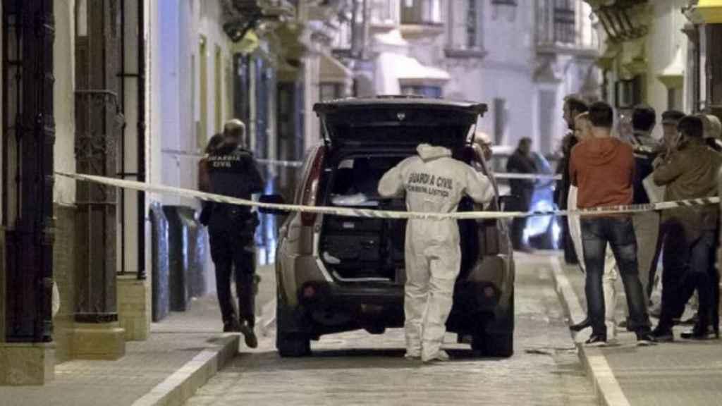 El doble crimen sucedió en el número 24 de la calle Pedrera de Arahal (Sevilla).