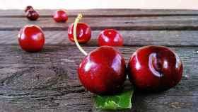 Cómo diferenciar picotas y cerezas, las frutas más golosas del verano