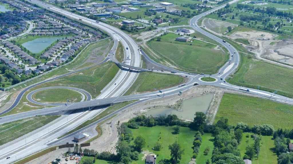 Autopista Northeast Anthony Henday en Alberta, Canadá de ACS.