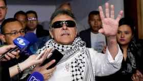 Jesús Santrich con la prensa en el Congreso de Colombia
