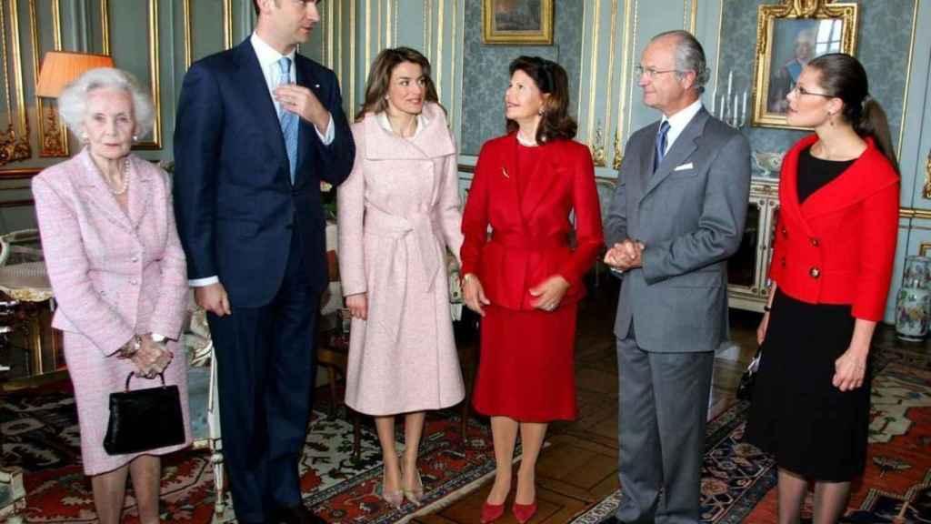 Los Reyes Carlos XVI Gustavo y Silvia, las Princesas Victoria y Lilian de Suecia y los Príncipes de Asturias.