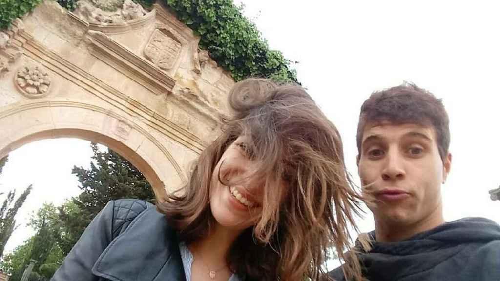 Laura Luelmo junto a su novio.