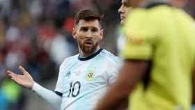 Lionel Messi no entiende su roja directa en la 'final de consolación' de la Copa América 2019