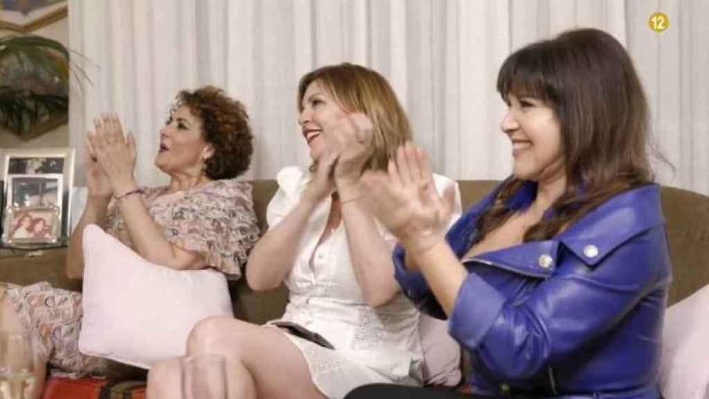 Irma, Belinda y Loles en un momento de la grabación.