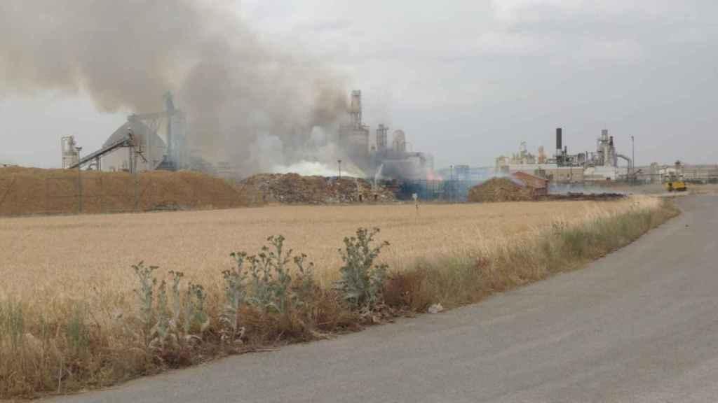 Incendio en una maderera de Cella (Teruel).