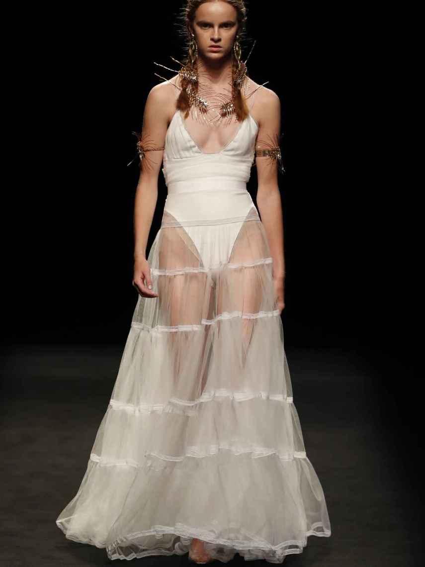 Juan Vidal ve a las diosas en color blanco.
