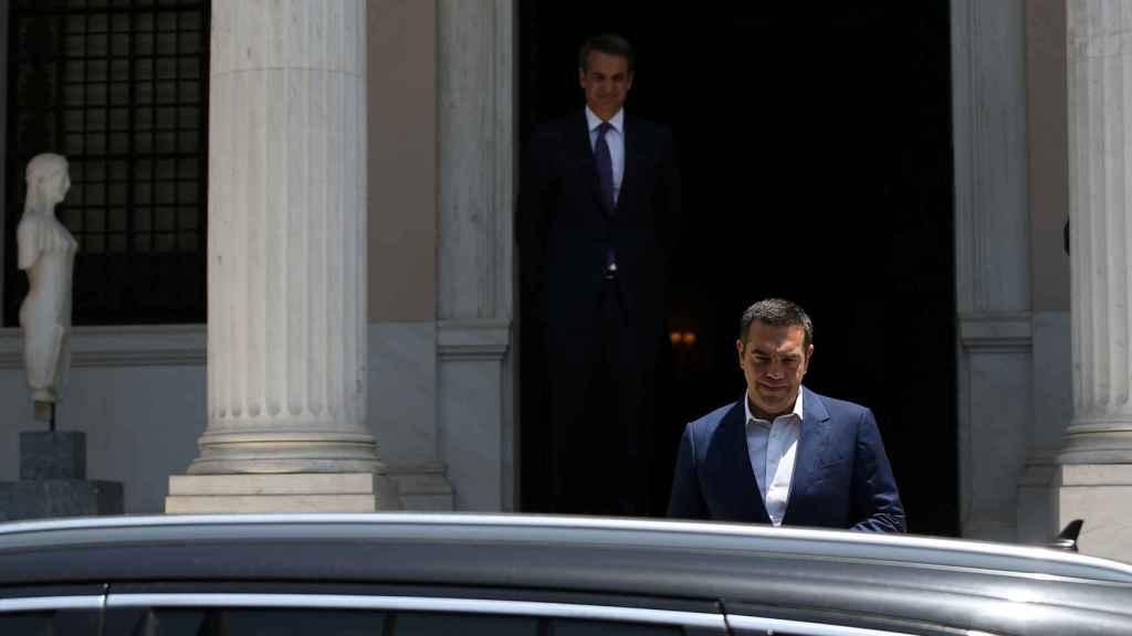 Tsipras, tras reunirse con Mitsotakis.