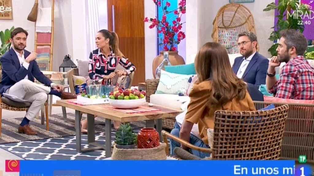 Màxim Huerta y los colaboradores en 'A partir de hoy' de TVE.