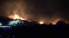 La Unidad Militar de Emergencias, desplegada en Ceuta por un grave incendio y obliga a desaolojos