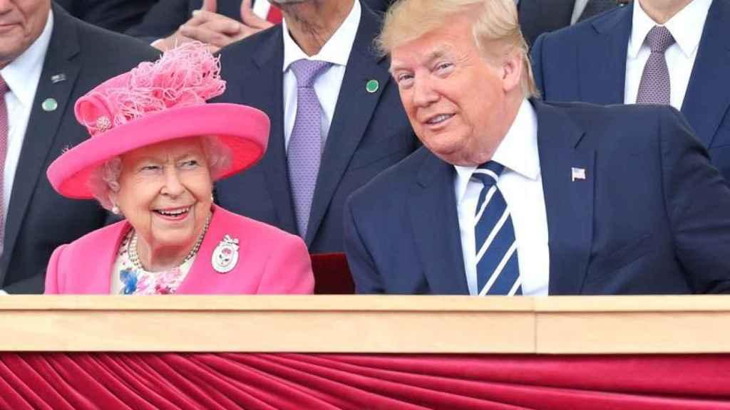 La reina Isabel II y el presidente Donald Trump en los actos del 75 aniversario del Día-D