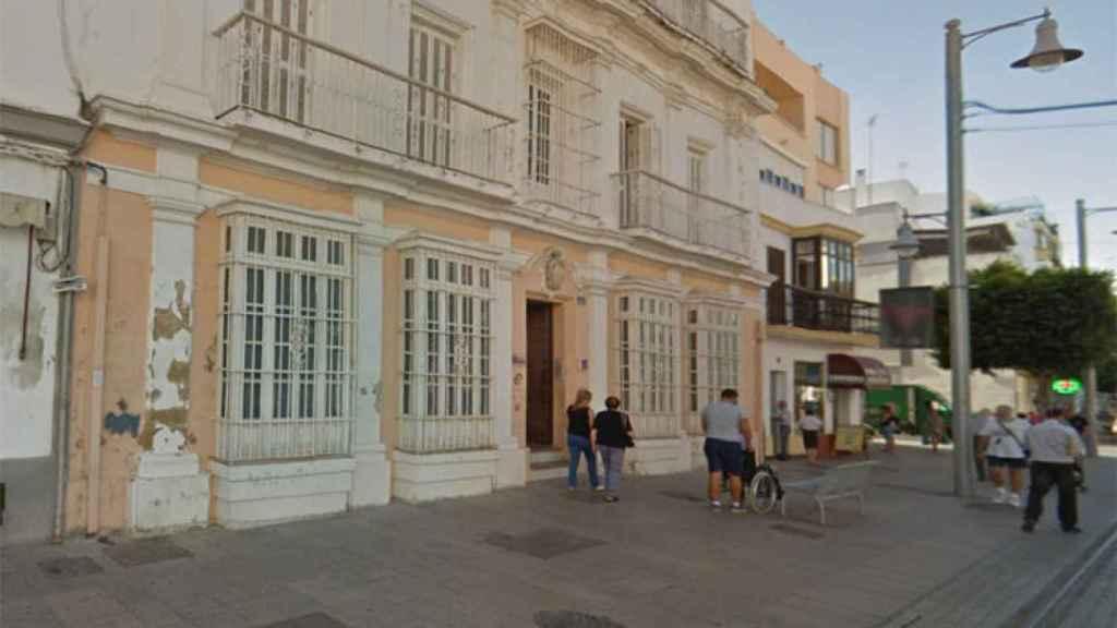 'Casa Micolta', edificio donde fue hallado el cadáver de Manoli en Cádiz.