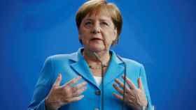 Merkel, tras sus terceros temblores en un mes: Me estoy recuperando