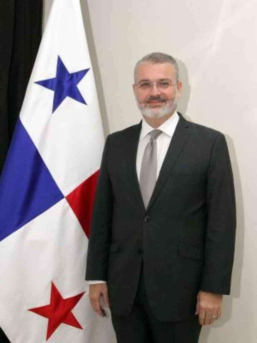 Imagen distribuida por la embajada de Panamá en España con motivo del nombramiento de Henríquez.