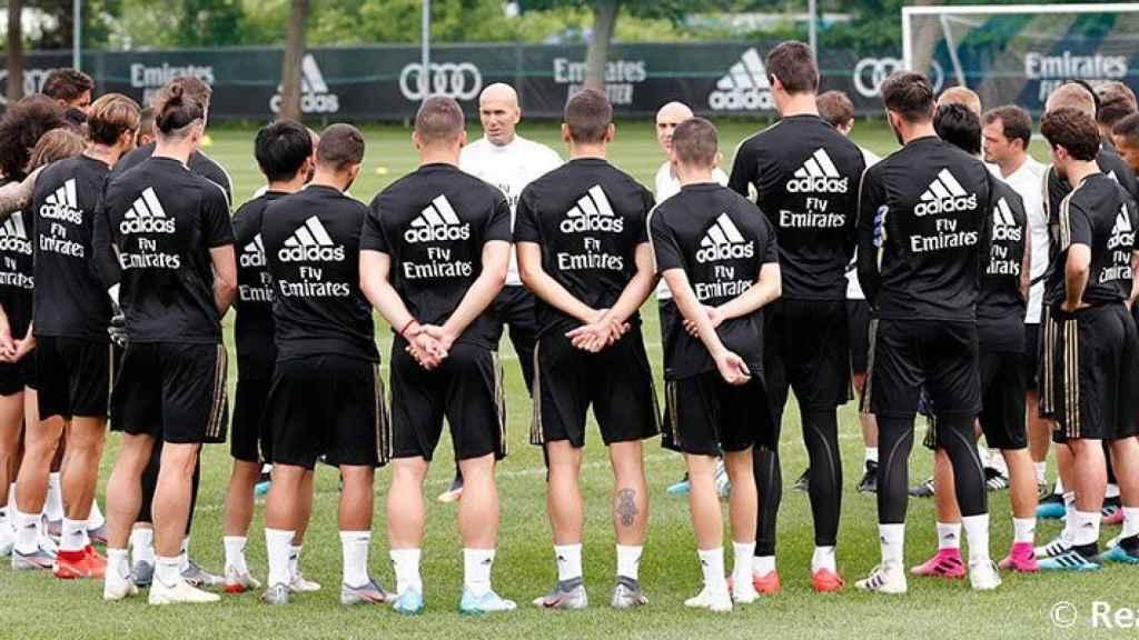 Zidane, al frente del entrenamiento del Real Madrid en Montreal
