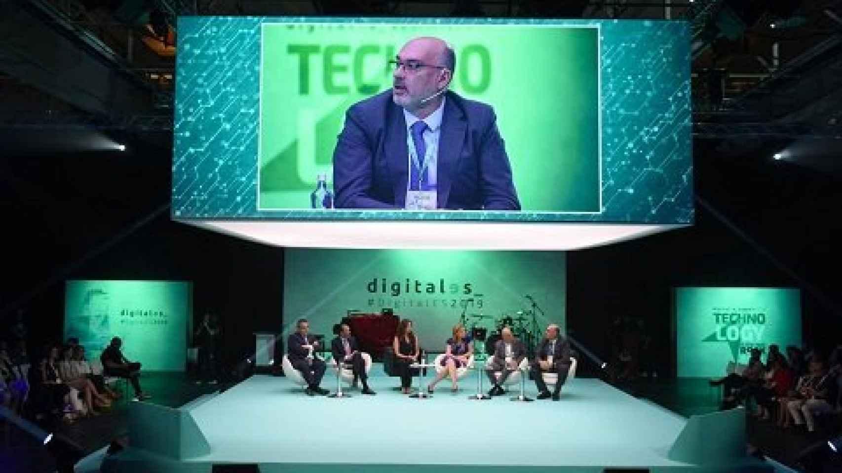 Mesa redonda durante el DigitalES Summit.