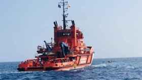 Salvamento Marítimo acude al rescate de una patera.