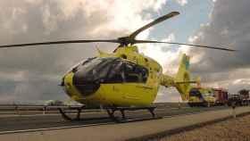 Helicóptero medicalizado que ha socorrido a la menor.