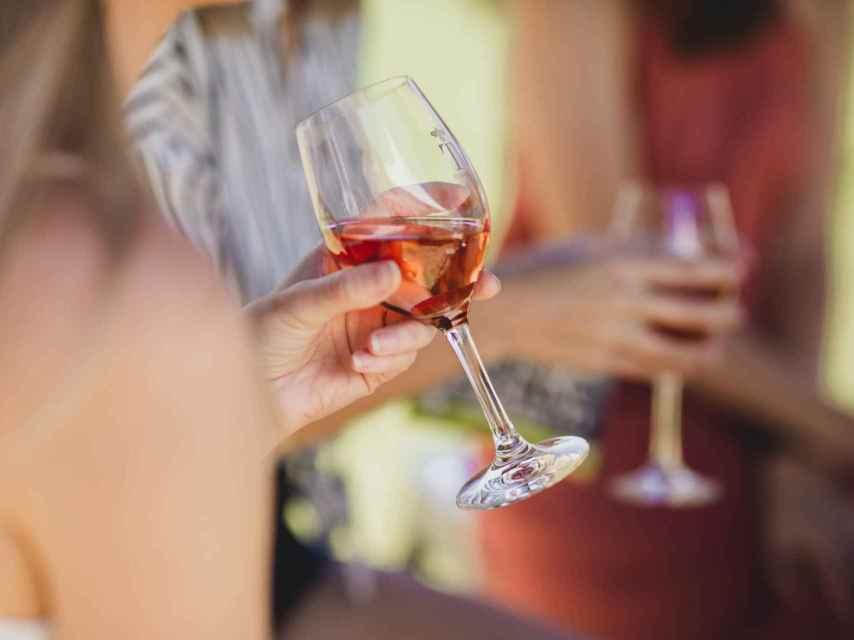 En verano podemos ser más tolerantes con la temperatura del vino.