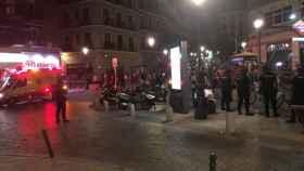 Incidentes en la madrugada del viernes al sábado 20 de julio entre argelinos y senegaleses en Lavapiés. Foto: Twitter (@Fernando_Ruiz_P).