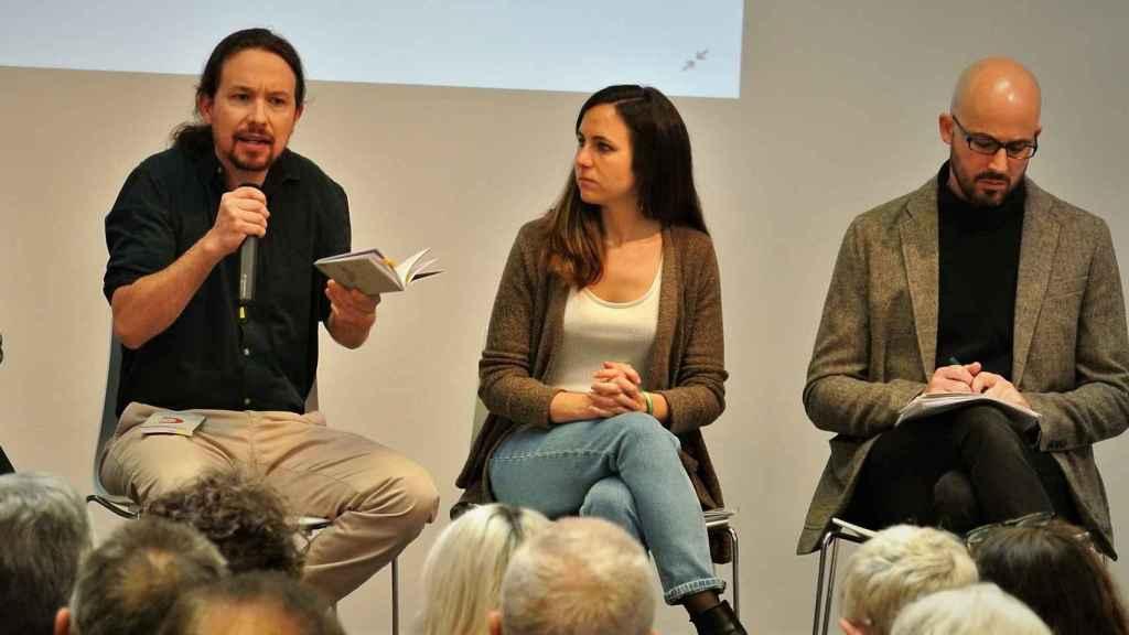 Pablo Iglesias, Ione Belarra y Nacho Álvarez en la presentación del programa electoral de Podemos.