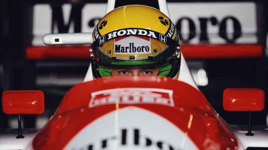 Ayrton Senna al volante del McLaren