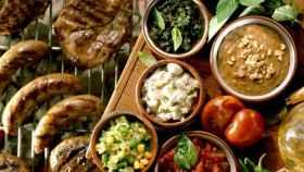 La dieta inflamatoria es rica en carne roja y procesada.