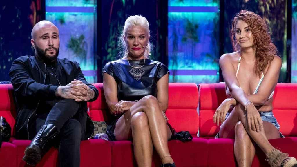Kiko Rivera, Loli Álvarez y Aneth en el plató de 'Supervivientes'.
