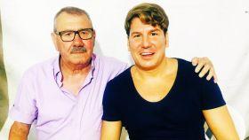 Lucas, del grupo Andy y Lucas, y su padre, recientemente fallecido.