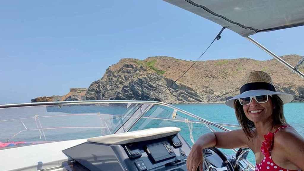 Nuria Roca, en sus vacaciones en Menorca.
