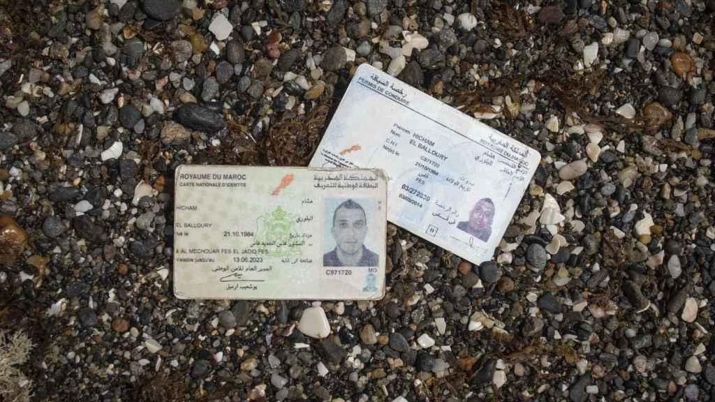 Este inmigrante marroquí llevaba consigo toda su documentación personal cuando lo detuvo la Guardia Civil.