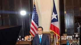 El gobernador de Puerto Rico anuncia su dimisión.